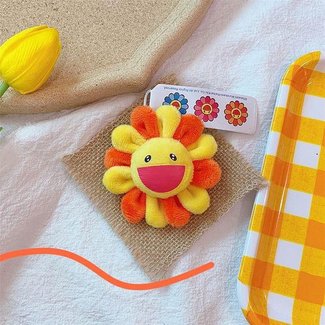 Bắt chước Jisoo, Lisa sắm móc khóa thú bông treo túi siêu cute - ảnh 23