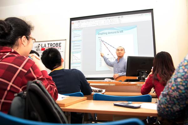 Lựa chọn khác cho HS tốt nghiệp THPT: Chương trình liên kết quốc tế 3