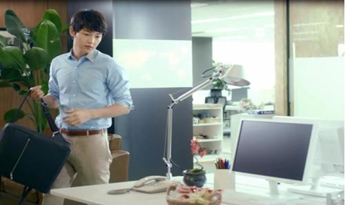 """Song Joong Ki cực chất trong """"Tình anh"""" 2"""