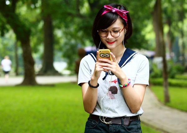 """Giới trẻ Việt đang """"bội thực giải trí - đói học tập"""""""