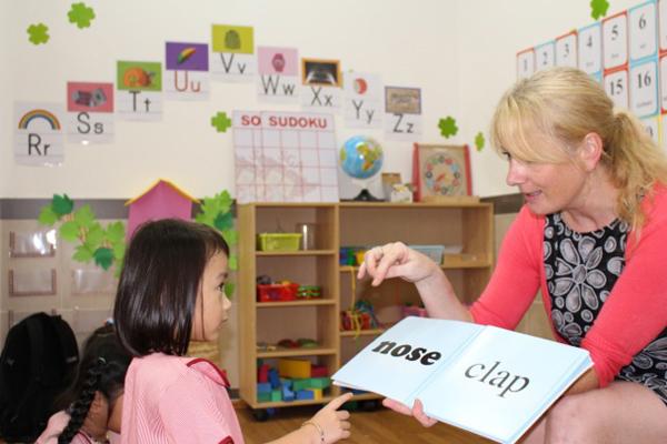 Hãy cho trẻ học bằng nhiều giác quan 2