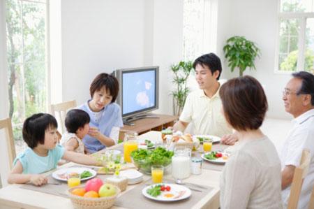 Bảo vệ sức khỏe của trẻ lúc giao mùa 1