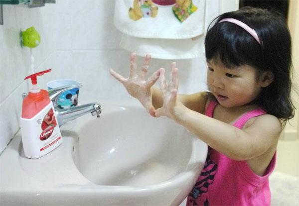Cách xử lý các bệnh trẻ thường gặp vào mùa thu 6