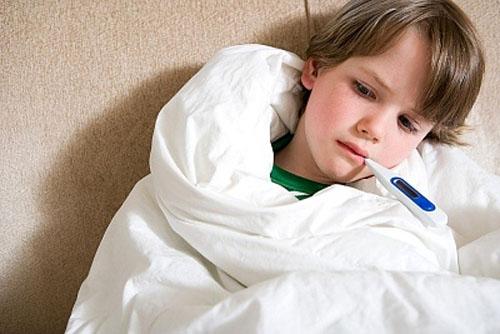 Cảnh giác với bệnh viêm đường hô hấp ở trẻ khi thời tiết chuyển mùa 1