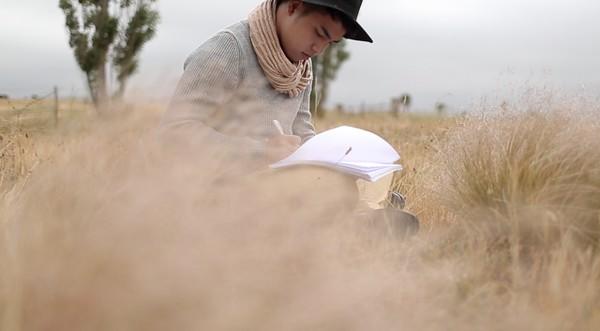 """Quán quân Mâu Thủy cùng Tấn Khang """"tình tứ"""" trong bộ ảnh thời trang ở Úc 11"""