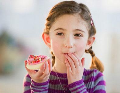 Những cách giúp trẻ bổ sung các nhóm vitamin thiết yếu 2