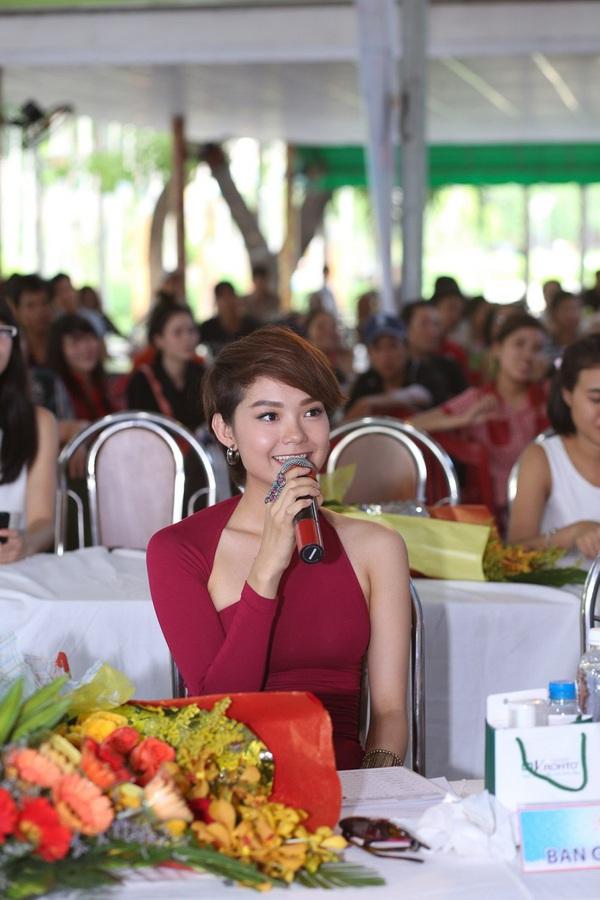 Minh Hằng làm giám khảo Miss Sunplay 2013 7