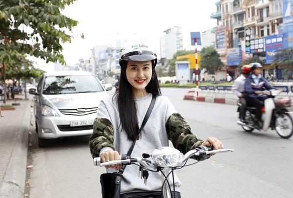 Hà Lade, Phở cùng dàn hot boy, hot girl cực chất bên xe đạp điện 2