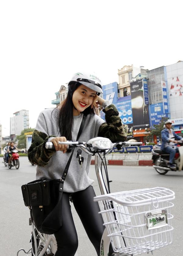 Hà Lade, Phở cùng dàn hot boy, hot girl cực chất bên xe đạp điện 3