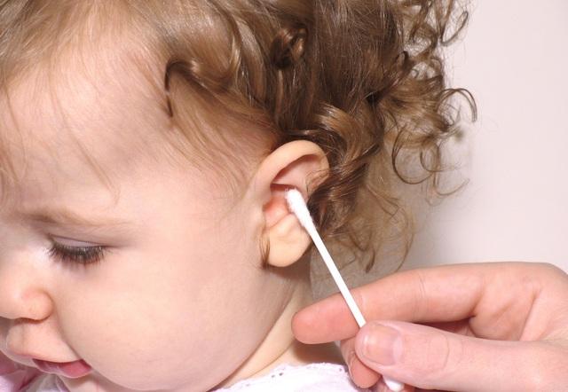 Nguy cơ viêm tai ngoài cấp vì dùng tăm bông tùy tiện 1