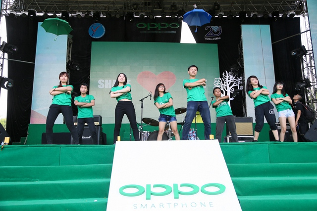 Fan nhảy flashmob dành tặng Mỹ Tâm trước thềm liveshow 1