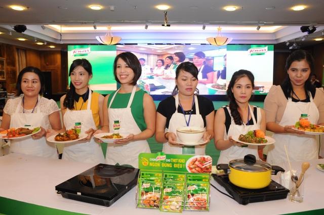 Vua đầu bếp Mỹ thán phục sự sáng tạo của phụ nữ Việt vua dau bep my than phuc su sang tao cua phu nu viet