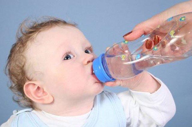 Cách hạ sốt nhanh cho trẻ mà vẫn an toàn 1