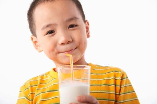 Đúng - Sai khi chọn sữa cho con 1