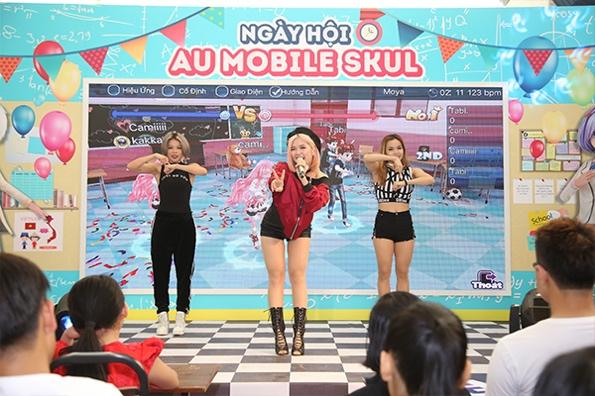 """Suny Hạ Linh """"đốt cháy"""" sân khấu bằng ca khúc Say Yes"""