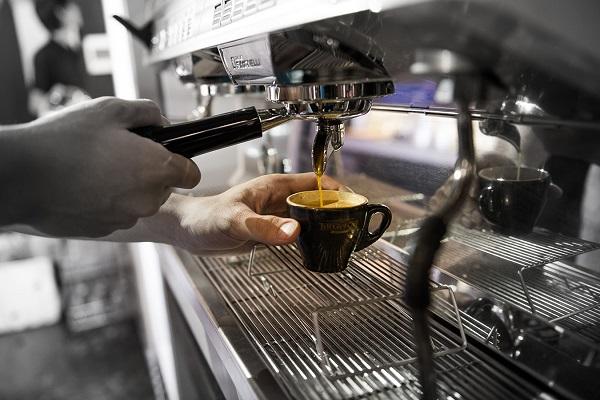 Café được pha theo tiêu chuẩn khắt khe