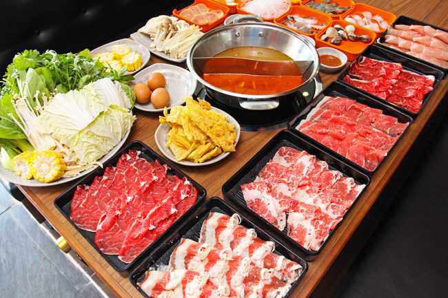 """5 bí kíp """"ăn thả ga"""" buffet lẩu tại Vincom Nguyễn Chí Thanh - Ảnh 1."""