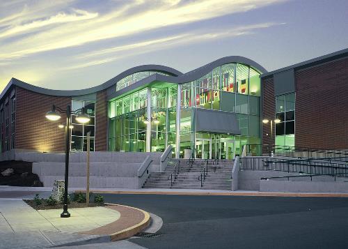 Cơ hội học bổng lớn khi học tại Cao đẳng Cộng đồng Lane, Hoa Kỳ - Ảnh 1.