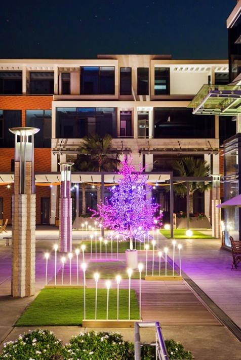 Galleria – Phố Địa Trung Hải độc đáo và duy nhất giữa lòng Nam Sài Gòn Vị trí: Mặt tiền đường Nguyễn Hữu Thọ, Nam Sài Gòn Quy mô: 58 biệt thự (1 hầm - 1 trệt - 1 lửng - 2 lầu) Diện tích khuôn viên từ 140 – 405 m2 Diện tích dự án: 2,5 ha. Trong đó diện tích xây dựng: 33%, tổng diện tích còn lại (67%, tương đương với 1,68 ha) được dành cho cây xanh, quảng trường và lối đi bộ… Liên hệ Hotline: 0901 351 199 - Website: http://www.galleria.net.vn