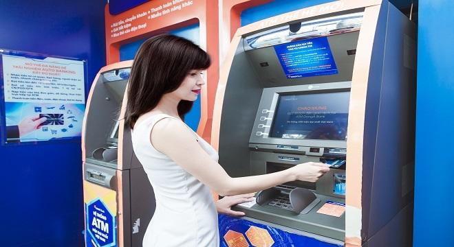 Làn sóng mở rộng và tuyển dụng mới của các ngân hàng TMCP