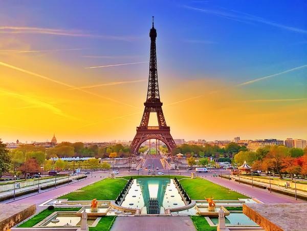 Khách hàng sẽ được trải nghiệm mùa thu Châu Âu tuyệt đẹp.