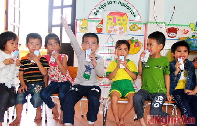 Câu chuyện về quy chuẩn sữa học đường: Cần sự cạnh tranh bình đẳng