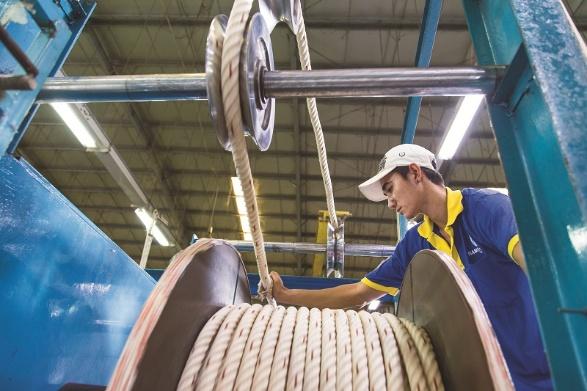 Siam Brothers với hơn 60 năm kinh nghiệm trong các lĩnh vực như: dây thừng, lưới phục vụ ngành đánh bắt thủy sản, vận tải biển, công nghiệp, nông nghiệp.