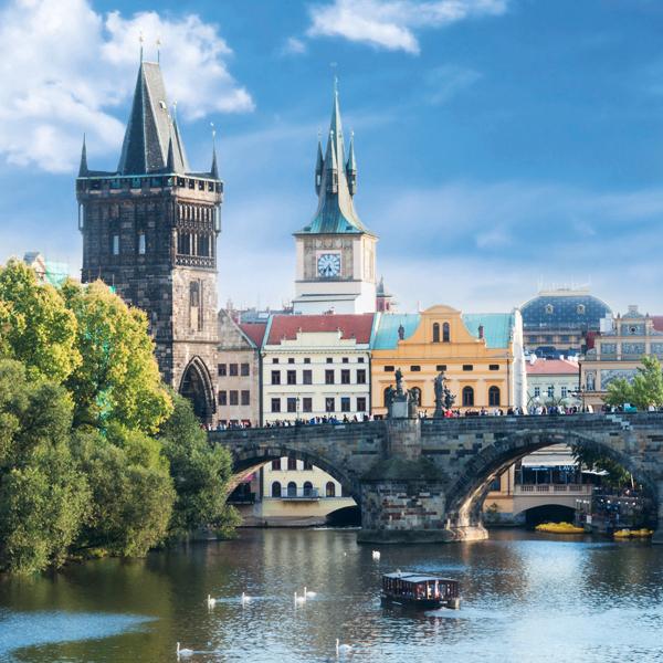 Prague, thành phố cổ kính và duyên dáng miền Đông Âu.