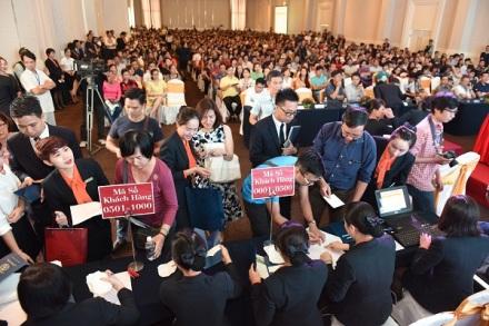 Cả 2 lần công bố đợt 1 và 2 vào tháng 10 và 11, có đến 1.000 khách tham dự tìm một suất mua căn hộ.