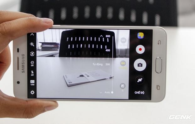 Dân văn phòng chọn smartphone nào vừa sang chảnh, hiện đại lại vừa tiền?