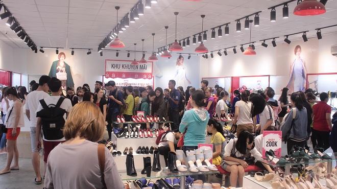 """""""Soái ca"""" nào đã giúp thương hiệu giày Juno đánh chiếm thị trường giày mùa 8/3?"""