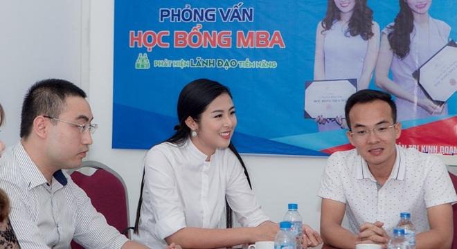 Hoa hậu Ngọc Hân được đánh giá cao khi phỏng vấn học bổng MBA của FSB