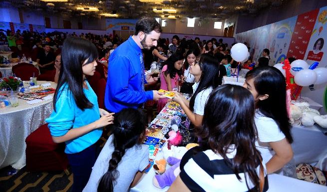 Ngày hội Thương gia nhí – CEO kids 2017: Chuẩn vốn tiếng Anh trong ngày hội kinh doanh