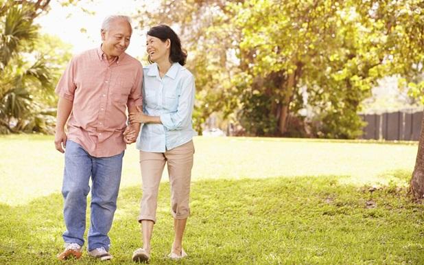 Từ số tiền đủ mua căn hộ 20m2, cặp vợ chồng già sống sung túc nhờ cách đầu tư giản đơn