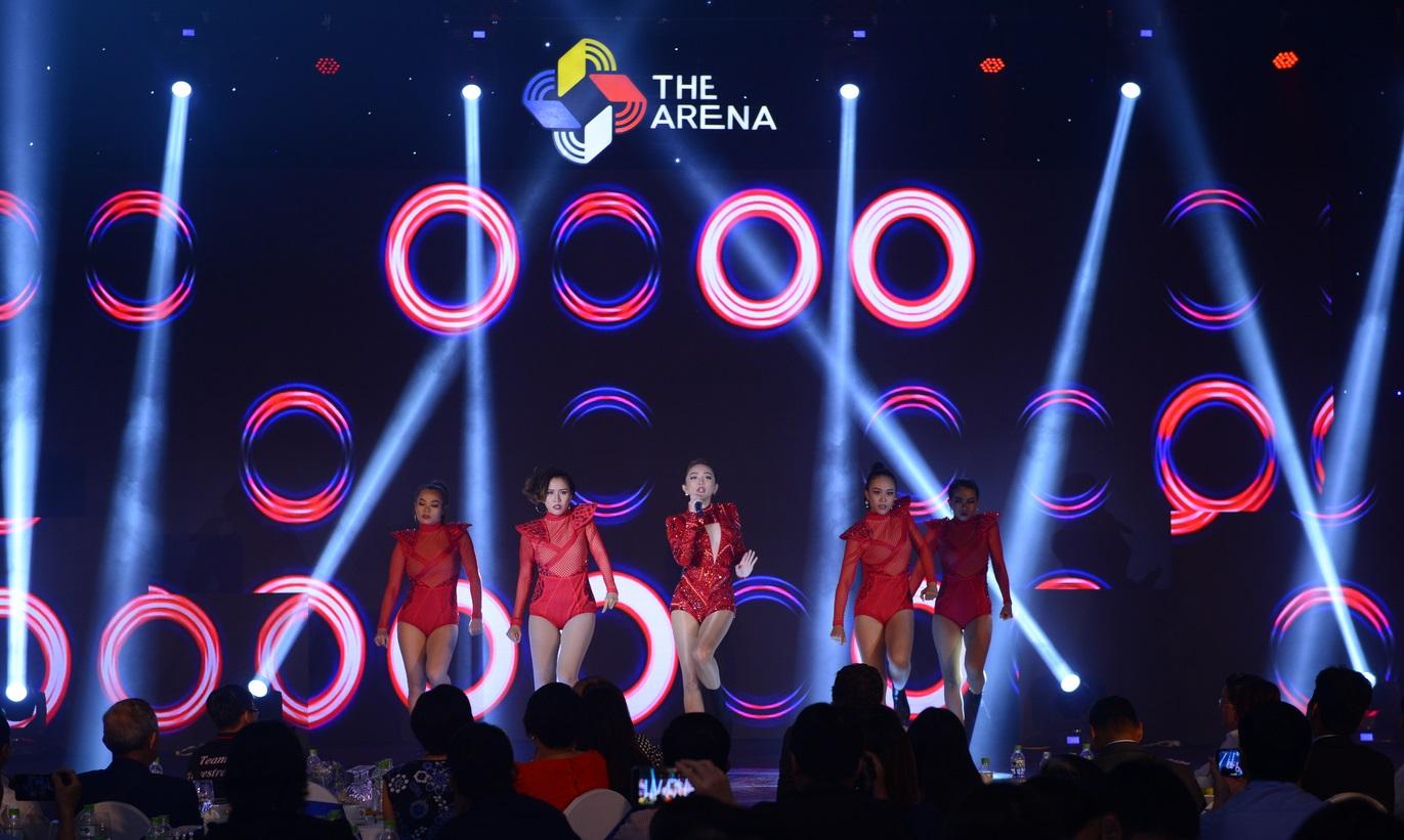 Gần 500 khách hàng TP HCM tham dự lễ ra mắt The Arena