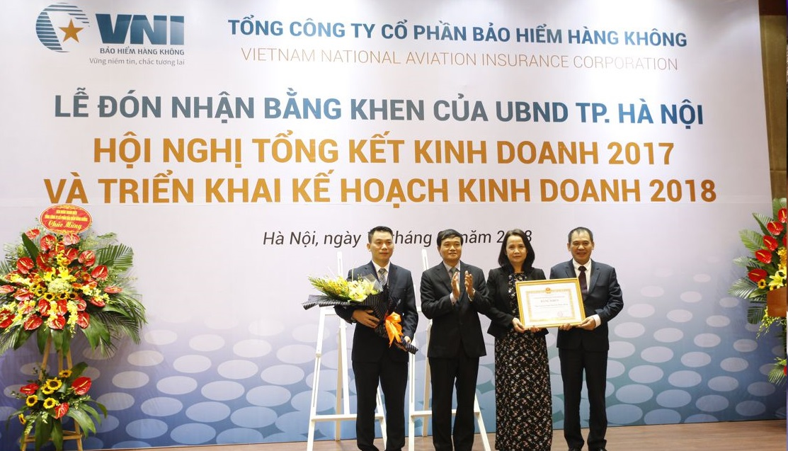 Bảo hiểm Hàng không (VNI) đón nhận Bằng khen của UBND TP.Hà Nội
