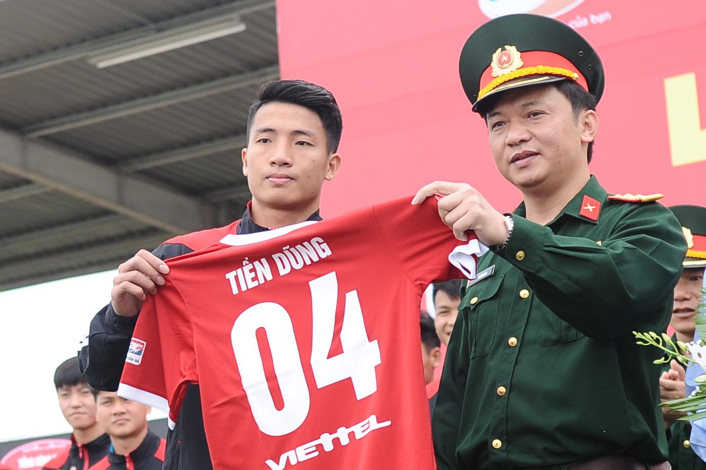 Tập đoàn Viettel tặng 1 tỷ đồng cho U23 Việt Nam