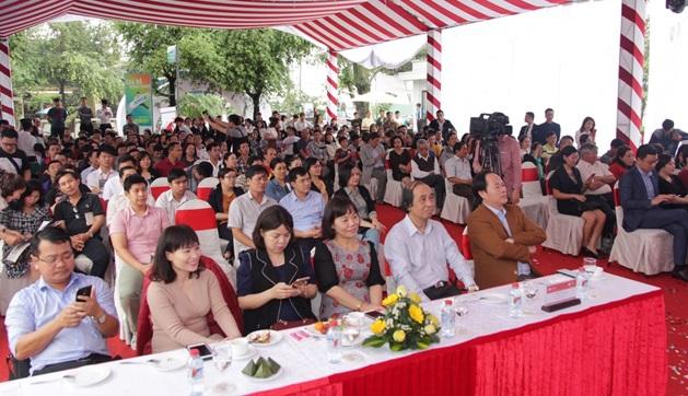 Hàng trăm khách tham gia khai trương văn phòng bán hàng TMS Quy Nhon