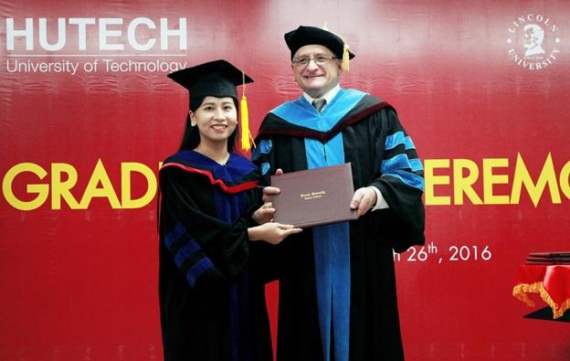 """MBA Đại học Lincoln (Hoa Kỳ) - """"Giấy thông hành"""" để bước ra thế giới"""