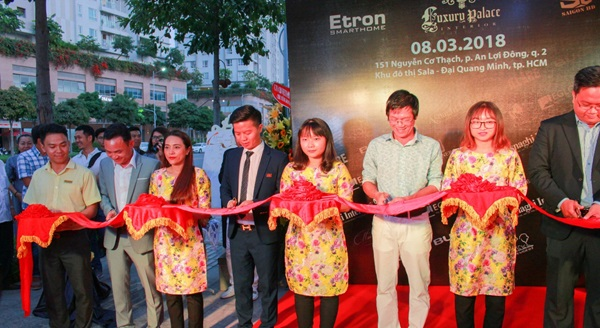 Hệ thống điện thông minh Etron đã chính thức có mặt tại khu đô thị Sala