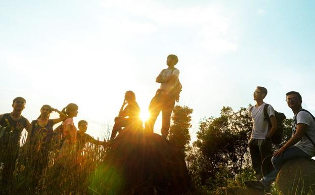 """Câu chuyện về ước mơ """"lắng nghe mạng xã hội"""" của người trẻ Việt"""