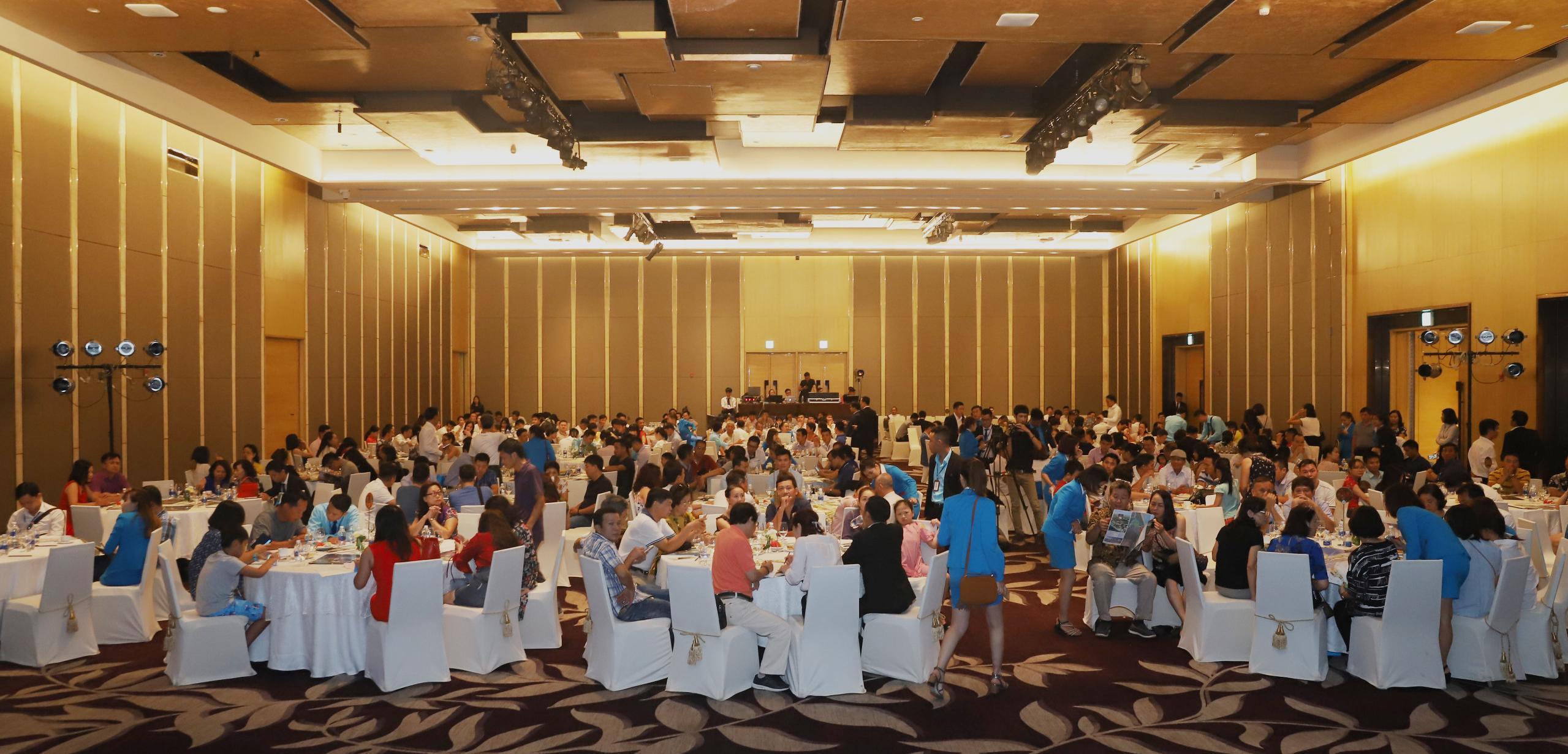 Đất Xanh Miền Trung: Dự án nhà ở hạng sang thu hút khách hàng tại Hà Nội