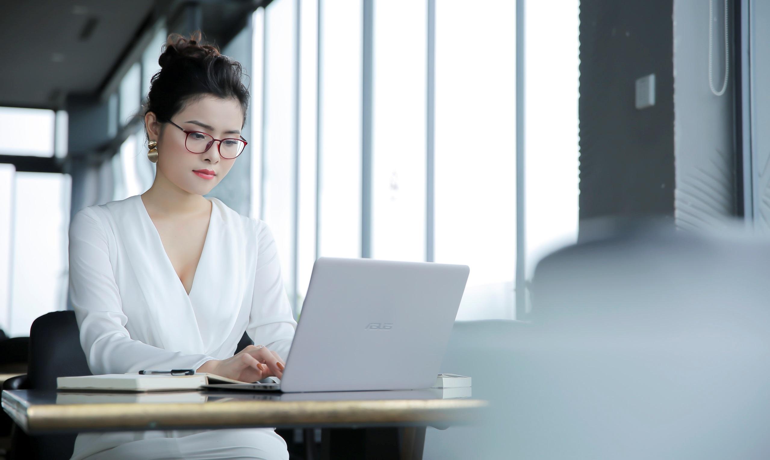 """CEO Hoàng Hạnh: Từ mẹ bỉm sữa """"tay không"""" trở thành diễn giả truyền cảm hứng tới hàng ngàn phụ nữ"""