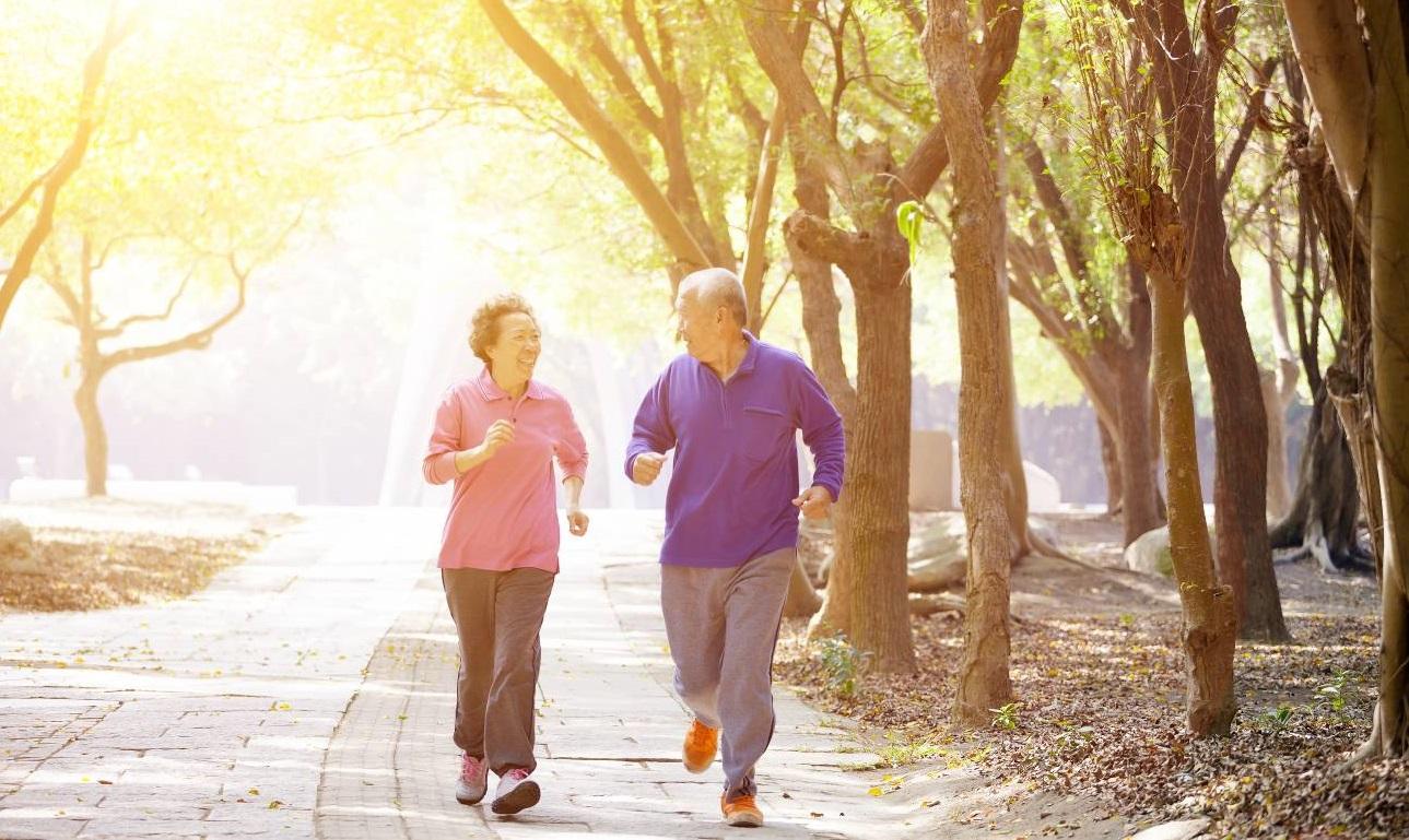 Chế độ ăn uống hợp lý giúp phòng tai biến đột quỵ lúc giao mùa
