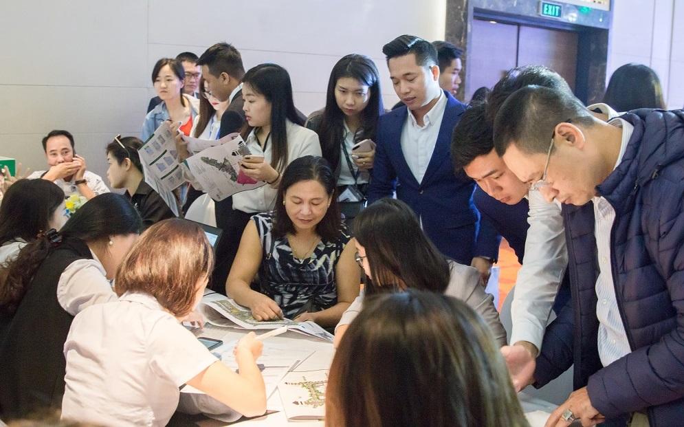 """Giao dịch sôi động ngay lần mở bán đầu tiên, Khai Sơn Town tiếp tục """"hút"""" khách hàng"""