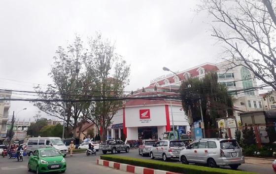Đà Lạt đổ tiền tỷ mở đường làm nút giao thông, trung tâm thương mại thu hút khách du lịch