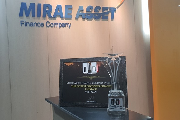 """Mirae Asset – 2 năm liền nhận giải """"Công ty tài chính tăng trưởng nhanh nhất Việt Nam"""""""