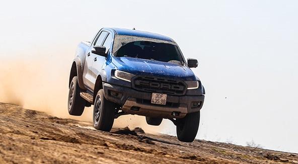 Đánh giá Ford Ranger Raptor – đỉnh cao của giới hạn thách thức