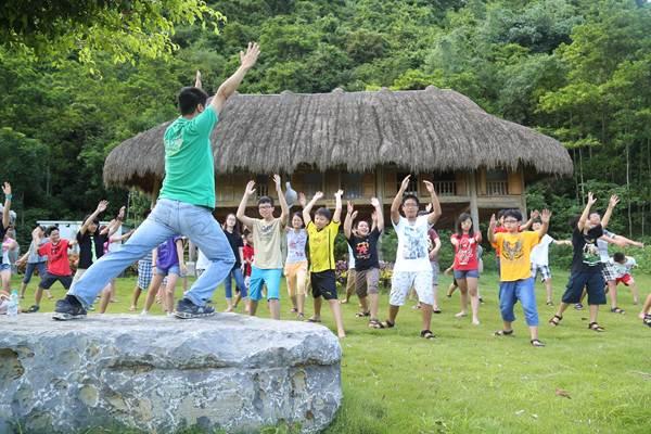 Tưng bừng 2 trại hè tại trường Olympia cho giới trẻ Hà Nội
