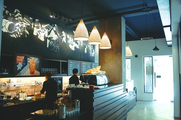 Một góc quầy bar của The Coffee House